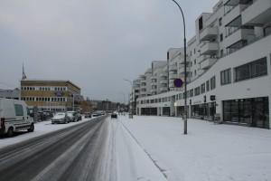 Gladengveien og usikker is på teglverksdammen 013