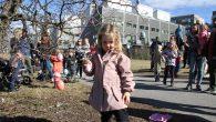 Søndag var det klart for den årlige tradisjonen med å pynte påskeegg treet i Tiedemannsbyen på Ensjø. Både store og små hadde møtt opp for å henge opp mesterverkene som […]