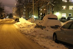 Snø og gateparkering i BGO (12)