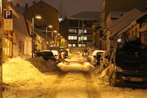 Snø og gateparkering i BGO (24)