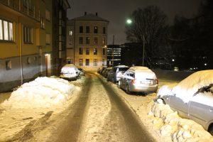 Snø og gateparkering i BGO (30)
