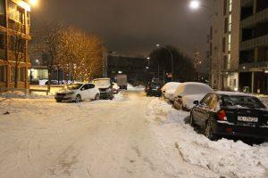 Snø og gateparkering i BGO (4)