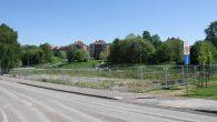 Siden reguleringsplanen for Teglverksdammen ble vedtatt i august 2012 har det vært klart at det skal bygges ballbane på tomten mellom parkeringshuset til Hasle torg og Teglverksdammen. Tomta har […]