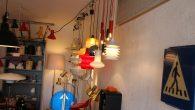I en garasje på Malerhaugen holder to entusiastiske lampesamlere til. De har masse kunnskap om lys, lamper, elektronikk, design osv. osv. Siden de holder til i en garasje så har […]