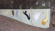 På søndag ettermiddag ble kunstverket «Kattene på Malerhaugen» offisielt åpnet. Det var en enkel handling der et 10 talls mennesker hadde møtt opp for å overvære åpningen. De som har […]