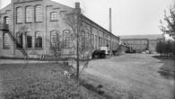 På bildene kan man se endeveggen på Fyrstikkalleen 21 som har tilhørt Nittedals fyrstikkfabrikk. Akkurat denne bygningen har blant annet vært brukt til kartongproduksjon for fyrstikkfabrikken. Selve fyrstikk […]