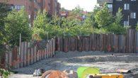 Det er i forbindelse med byggestart av trinn 2 i boligprosjektet Tiedemannsparken man har startet opp med spuntarbeider. Det vil si at man setter store metallplater ned i bakken […]