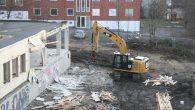 I slutten av denne uka startet man å rive den gamle bygningen som står på adressen Malerhaugveien 20. Bygningen har stått tom i snart to år og man har revet […]