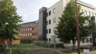 Denne uka har det dukket opp byggegjerder rundt eiendommen Grenseveien 95 på Ensjø/Helsfyr. Dette gjorde Ensjø aktuell informasjon nysgjerrig. Det var tidligere planer om å omregulere eiendommen til boliger, men […]
