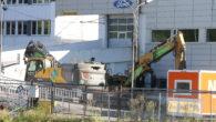 Da er arbeidet med å rive det gamle Ford bygget i Gladengveien startet opp. Denne uka har man startet med innvendig rivning. Det er satt fram store containere der rester […]